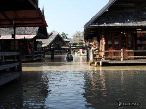 Плавучий рынок в Паттайе, лодка