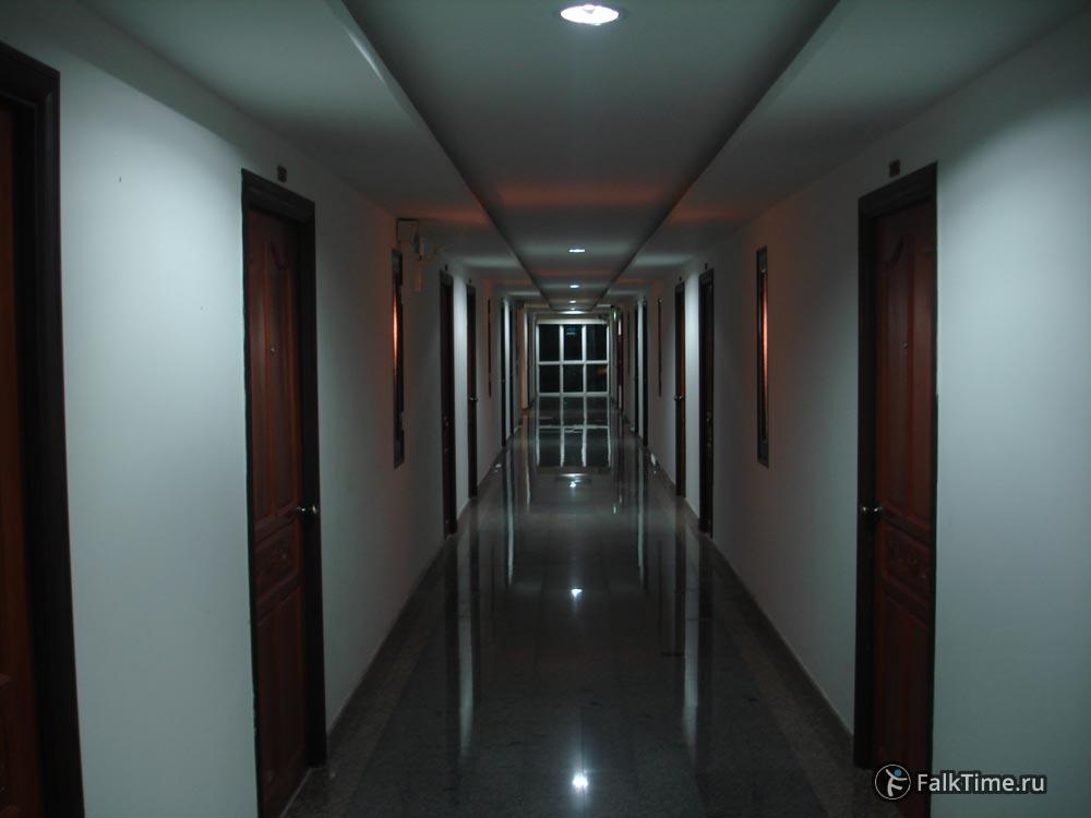 Некондиционируемый коридор в тайской гостинице