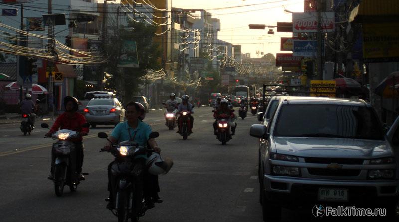 Транспорт на улицах Паттайи