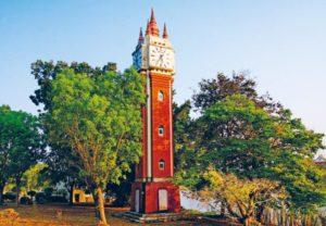 Часовая башня в вате Ян