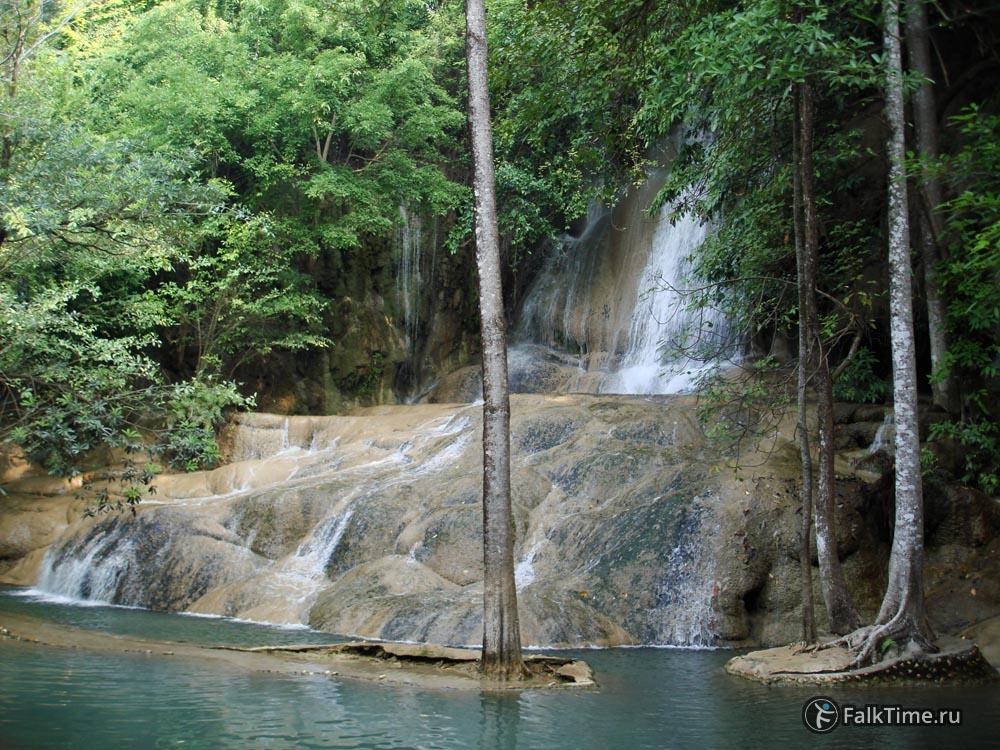 Водопад Сай Йок Ной, мало воды